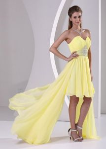 Beaded Sweetheart Yellow Short-Length Homecoming Dresses with Watteau Train