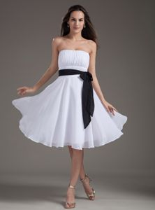 White Sash Empire Strapless Evening Homecoming Dress in Knee-length from Joplin