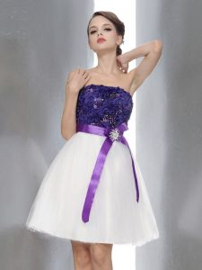 Sleeveless Knee Length Beading and Sashes ribbons Zipper Homecoming Party Dress with White And Purple