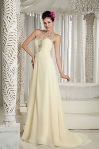 Popular Light Yellow Beaded Chiffon Homecoming Court Dresses in Spain