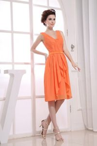 V-neck Orange Knee-length Homecoming Dresses with Ruches in Rockville