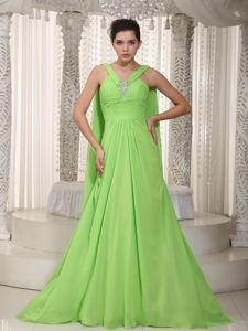 Spring Green V-neck Beaded Homecoming Dress with Watteau Train