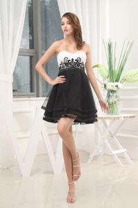 Newest Appliqued Black and White A-Line Sweetheart Homecoming Dress