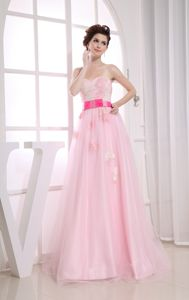 Most Popular Baby Pink Sweetheart Appliqued Homecoming Dresses