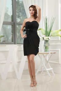 Black Special Ruched Juniors Homecoming Dress Decorated with Feather