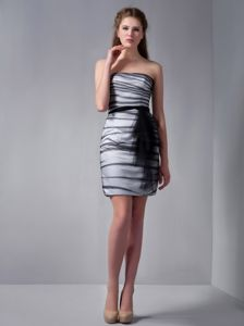 Strapless Mini-length White and Black Homecoming Dresses for Prom with Sash