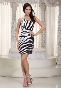 Mini-length Column One Shoulder White and Black Homecoming Queen Dresses