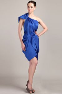 Special One Shoulder Blue Short Celebrity Homecoming Dresses in Clutton