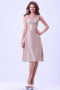 V-neck Champagne Knee-length Celebrity Homecoming Dress for Juniors