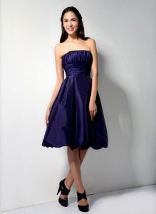 Strapless Ruched Purple Knee-length Homecoming Dress for Wholesale