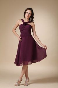 Burgundy Chiffon Sparkly Homecoming Dresses with Flower in Tucker