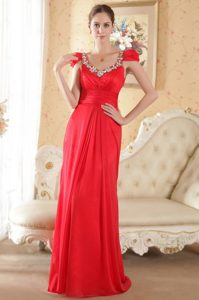 Red Column Scoop Cap Brush Train Appliqued Homecoming Dress in Repentigny