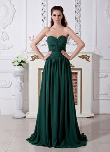 Hunter Green Sweetheart Brush Train Homecoming Dress for Prom in Caledon