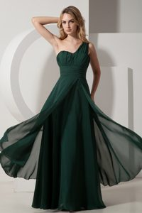 One-Shoulder Hunter Green Ruched Empire Homecoming Dress for Prom in Waterloo