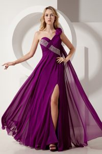 Purple Floor-Length Homecoming Dress with One-Shoulder Watteau and Slit and Flower
