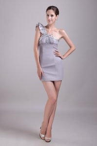 Mini-Length Gray One-Shoulder Appliqued Flounced Homecoming Cocktail Dress