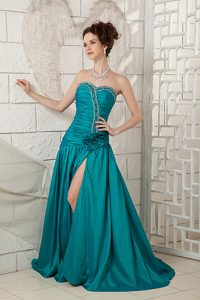Turquoise A-line Sweetheart Brush Train Homecoming Court Dresses