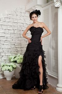 Black A-line Sweetheart Brush Train Sparkly Homecoming Dresses